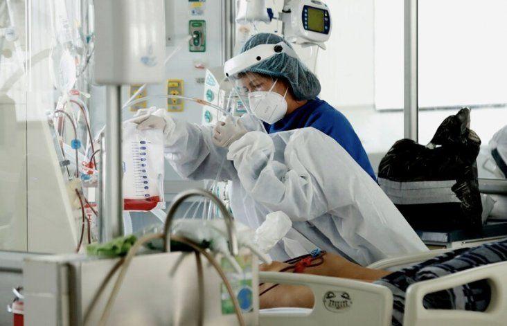 Los hospitalizados por COVID-19 ascienden a 325