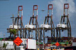 conflicto obrero patronal mantiene mercancia internacional varada en los puertos