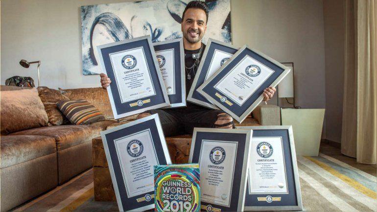 Luis Fonsi recibe sus siete récords Guinness por Despacito