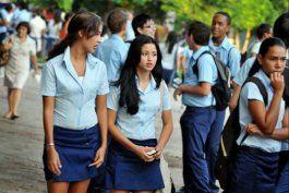 expulsan a alumno de su escuela por camiseta que decia miami, florida