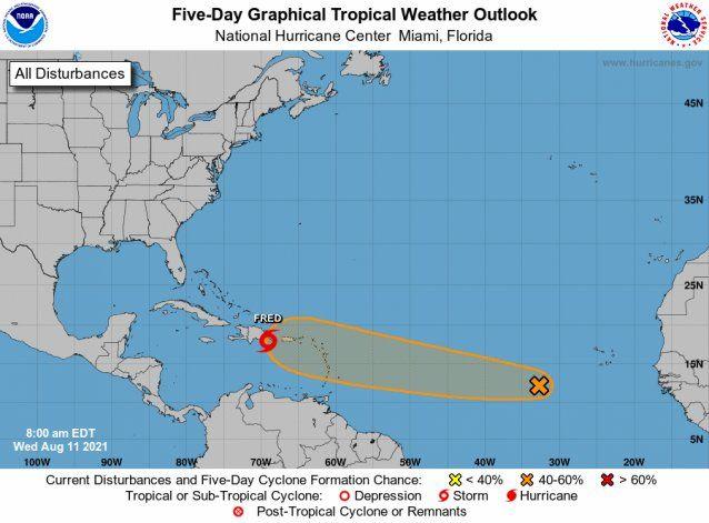 El Centro Nacional de Huracanes vigila otro disturbio con potencial ciclónico