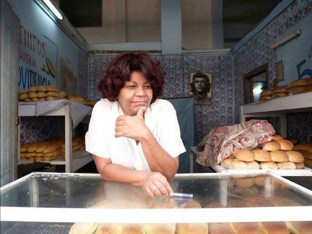 Las quejas de los cubanos con el pan que se reparte por las bodegas no tienen fin