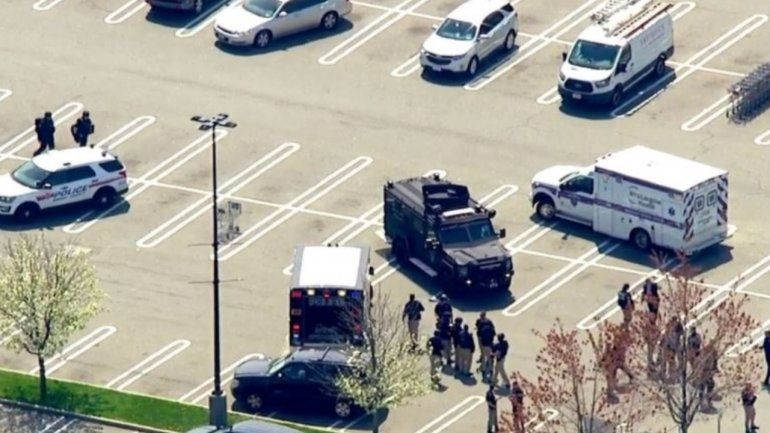 Al menos un muerto tras tiroteo en supermercado de Nueva York