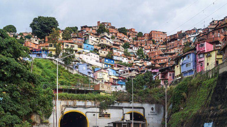 El régimen de Maduro está perdiendo terreno afirman los habitantes de las zonas populares al oeste de Caracas