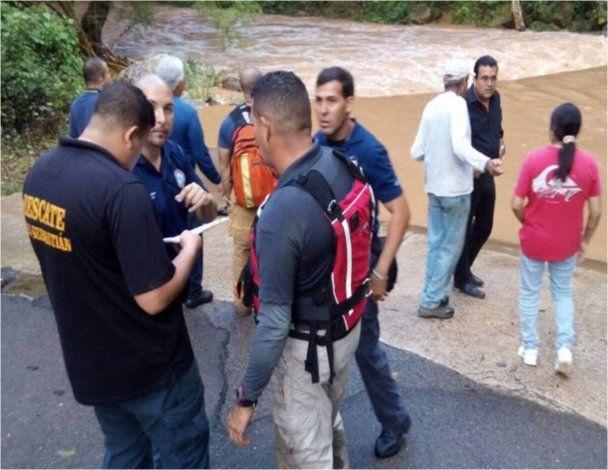 Reanudan búsqueda de hermanos arrastrados en río de San Sebastián