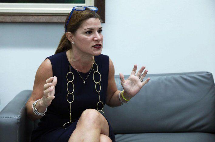Hermética la secretaria de la Gobernación con viaje personal de Pierluisi