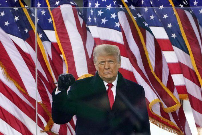AP Explica: ¿Regresará Donald Trump a Facebook?