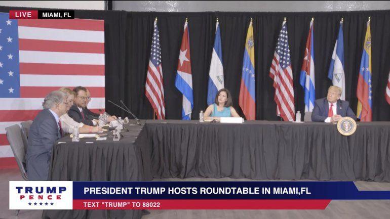 Trump promete mano dura contra el socialismo en el hemisferio al reunirse con el exilio cubano y venezolano