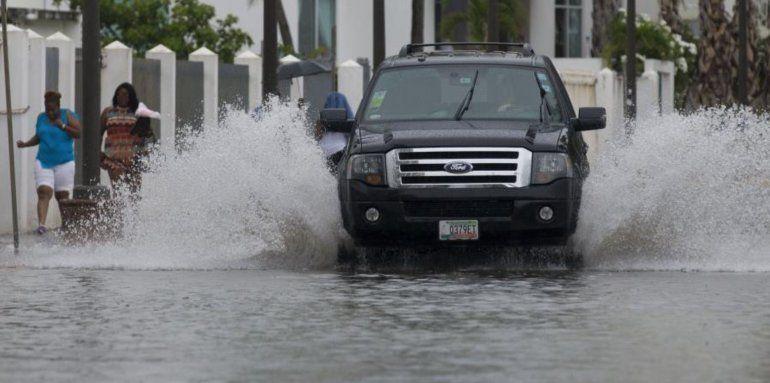 Fuertes lluvias amenazan con inundaciones y deslizamientos