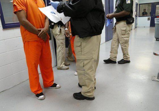EEUU: Inmigrantes detenidos deberán ver a un juez en 10 días