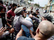 washington post: administracion biden anunciara hoy sanciones a funcionarios cubanos involucrados en la represion de las protestas
