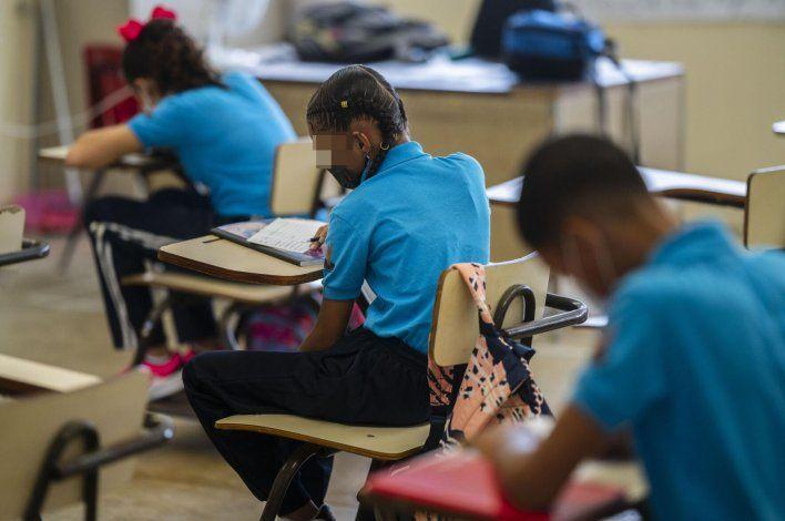 El Departamento de Salud hará cambios en las guías escolares para manejar el covid-19