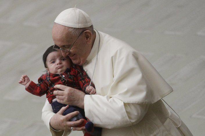 El papa Francisco se vacuna contra el coronavirus