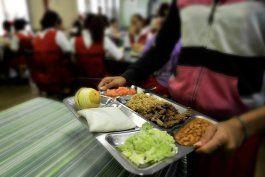 a la espera del desembolso de la asistencia economica alimentaria para estudiantes