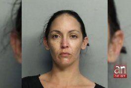 mujer le roba a su propia madre muebles valorados en $10 mil guardados en un storage