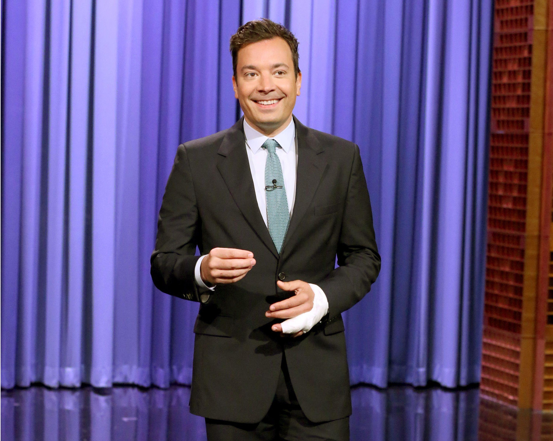 Jimmy Fallon regresa a Tonight tras casi perder un dedo