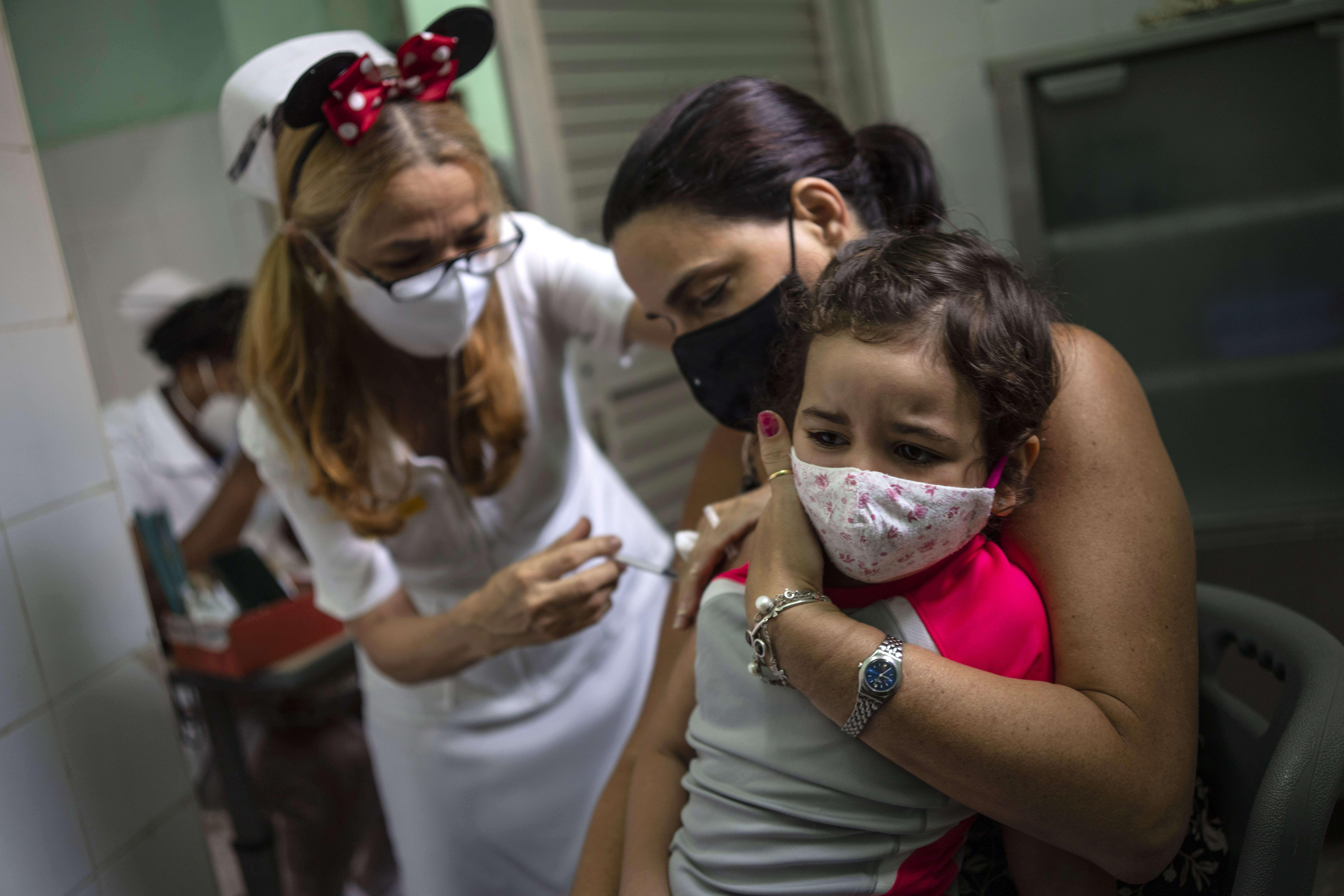cuba inicia vacunacion contra el covid en ninos de dos anos