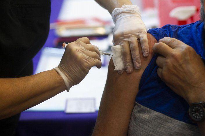 Trabajadores denuncian escollos por orden de vacunación obligatoria contra el covid-19