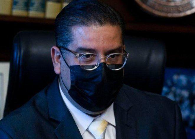 Algunos representantes y empleados de la Cámara se niegan a presentar evidencia de inoculación