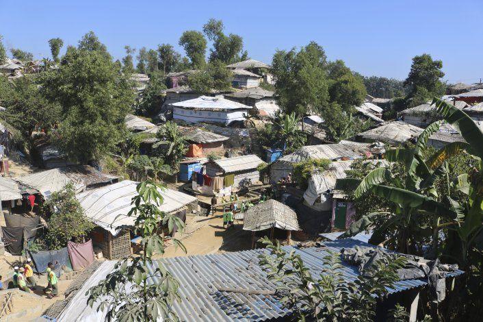 Bangladesh: incendio arrasa campamento de refugiados rohinya