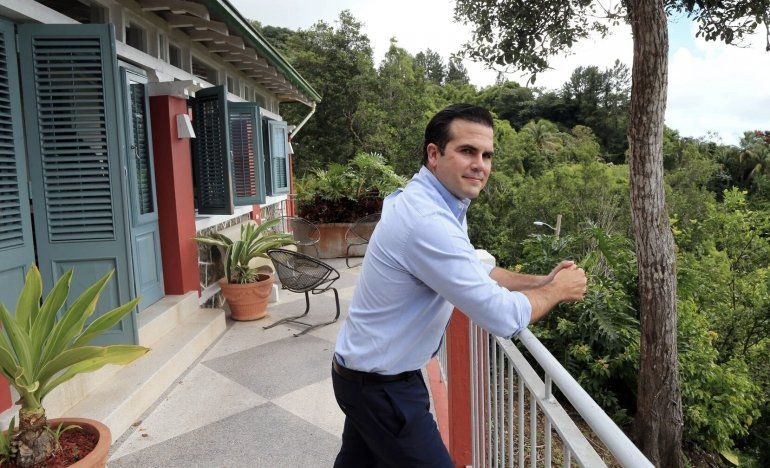 Ricardo Rosselló rehace su vida: tiene nuevo trabajo, compra casa por $1.2 millones e invierte en tratamiento contra el COVID-19