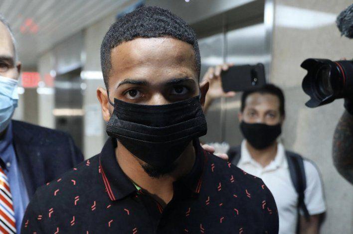 Agentes ocuparon dos armas a Félix Verdejo
