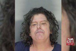 hombre de miami arrestado por golpear brutalmente a su abuela