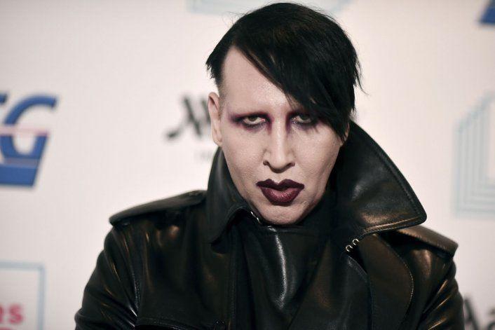 Emiten una orden de arresto contra Marilyn Manson por agredir a una reportera