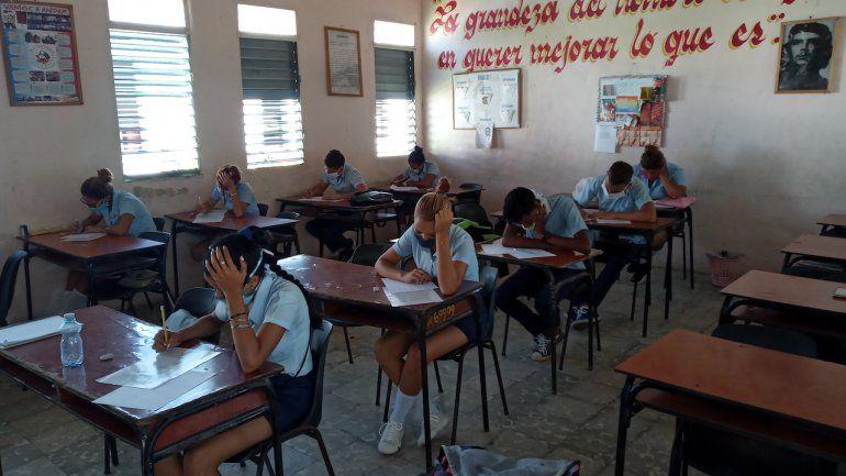 Son expulsados 9 estudiantes de entre 15-17 años por fumar marihuana en Las Tunas