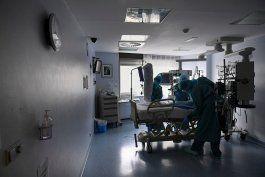 las hospitalizaciones por el covid-19 aumentan a 102