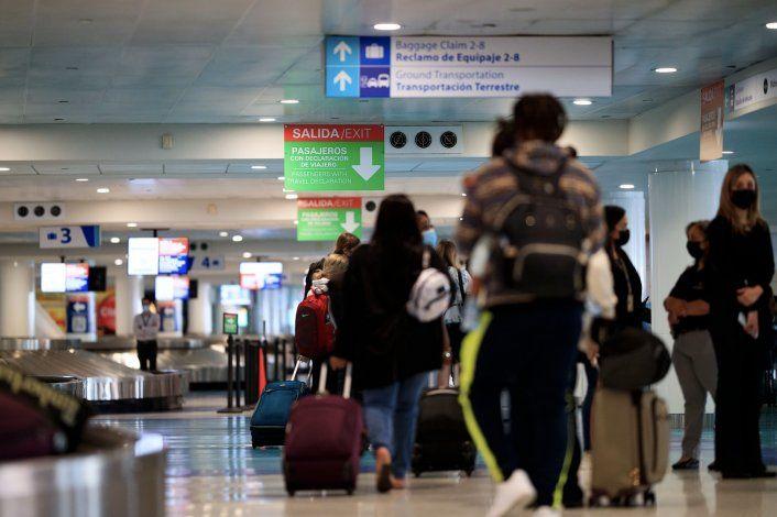 Laboratorios identifican un aumento de viajeros acudiendo a hacerse la prueba de COVID-19 tras llegar a Puerto Rico