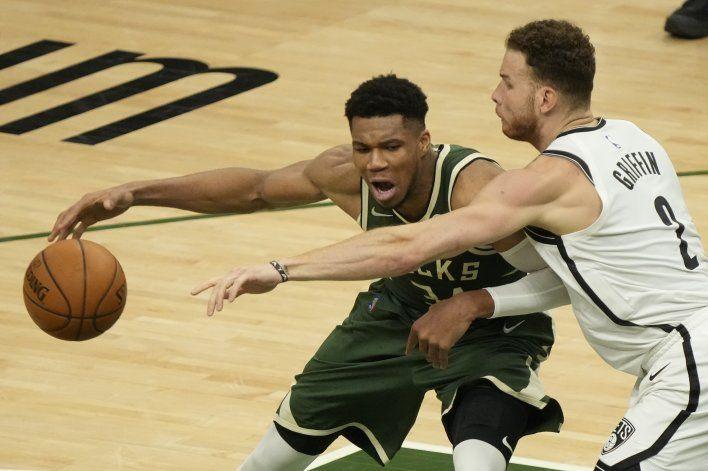 Bucks resisten embate de Nets en triunfo 86-83 en el juego 3