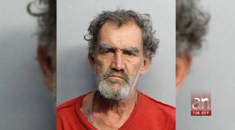 Hombre acusado de exhibir sus órganos sexuales en un Wendys de Hialeah