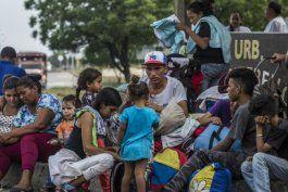 smolansky: se eleva a 5,5 millones la cifra de venezolanos que han huido del pais