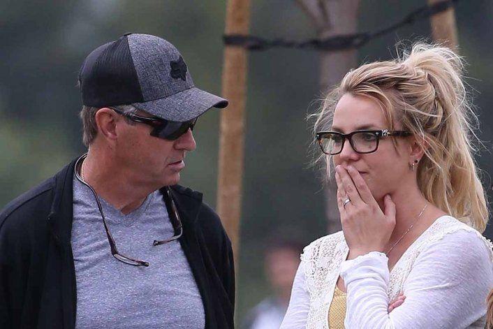 Padre de Britney Spears exigió seguir como su tutor legal tras argumentar que padece demencia