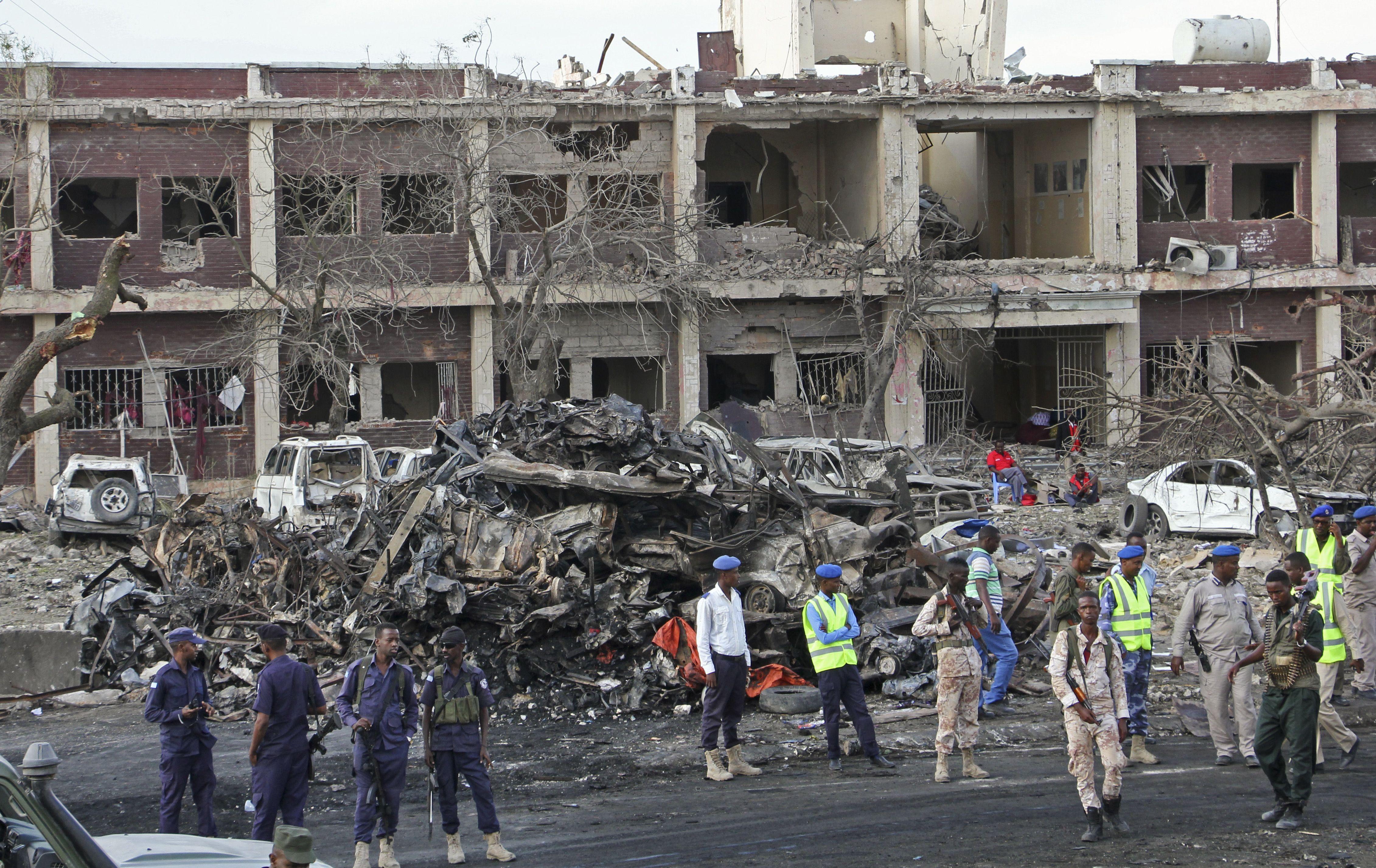 Camión bomba en Somalia deja al menos 276 muertos