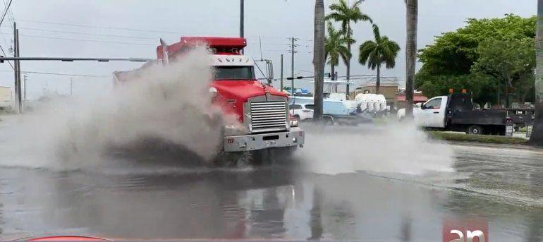 Miami se prepara para las lluvias que dejará la Tormenta Tropical Elsa